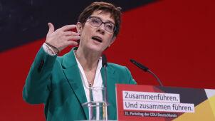 Szefowa CDU odpowiada na projekty Macrona
