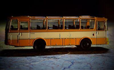 Bez autobusu i bez pociągu. Program wsparcia PiS