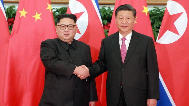 Xi spotkał się z Kimem. Historyczna wizyta prezydenta Chin