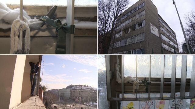 Okna w szpitalu wiązali bandażami.  Wolontariusze ruszyli na pomoc