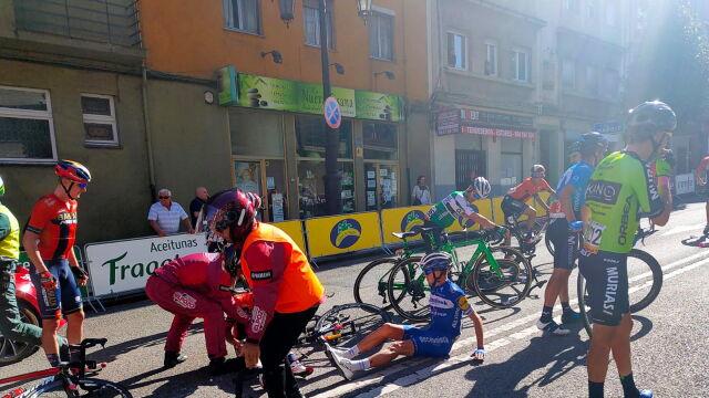 Wielka kraksa na finiszu 14. etapu Vuelty