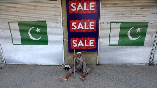 Pakistańczycy znów pozwalają latać. Straty liczone w dziesiątkach milionach dolarów