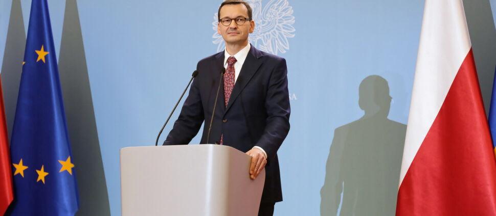 Ile dokładnie zarabia premier Morawiecki? Pytamy i wyliczamy
