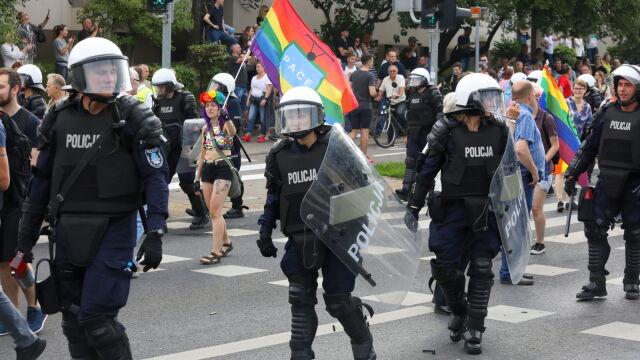 Po zamieszkach na Marszu Równości rozpoznali 92 osoby. Szukają kolejnych, w tym kobiety z dzieckiem
