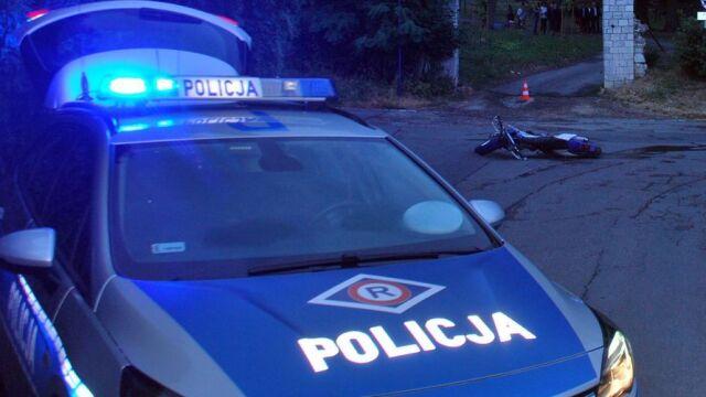Motocyklista na widok policjantów rzucił się do ucieczki. Miał powody