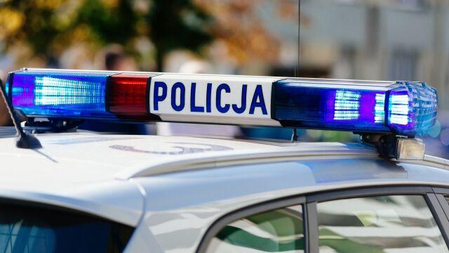 """""""Pomachał policjantowi i osunął się na kierownicę"""". Użądlił go owad"""