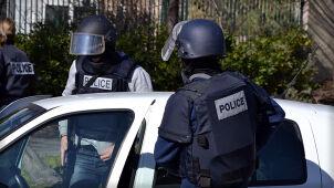 Próbował wjechać w ludzi przed meczetem. Aresztowany