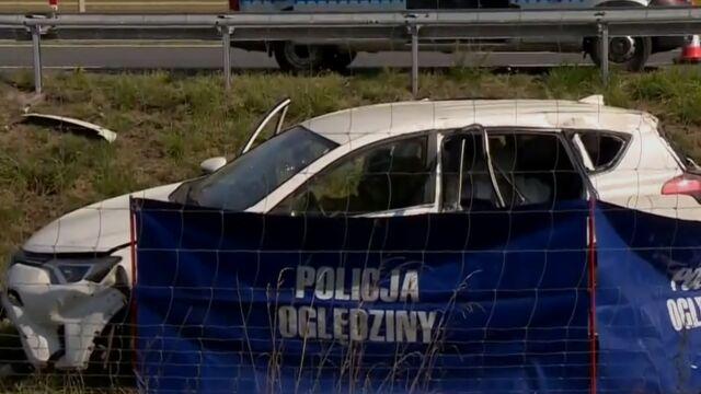 Tragiczny wypadek na A2. Uderzyli w bariery i wypadli poza trasę, nie żyje kobieta