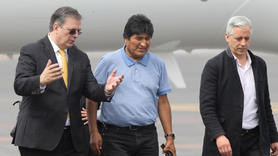 """Raport mówi o """"wyraźnym manipulowaniu"""" przy wyborach. Odpowiedź Moralesa"""