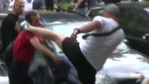 Złamał nastolatkowi obojczyk na Marszu Równości. Policja szuka tego mężczyzny