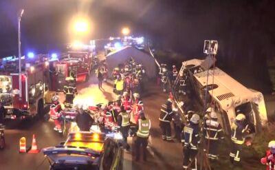 Wypadek autokaru w Niemczech. 13 osób rannych