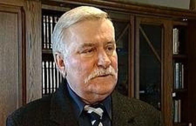 """Wałęsa zastanawia się nad """"orędziem"""" w TVP"""