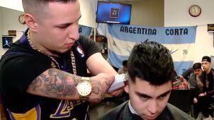 Mimo niepełnosprawności został fryzjerem