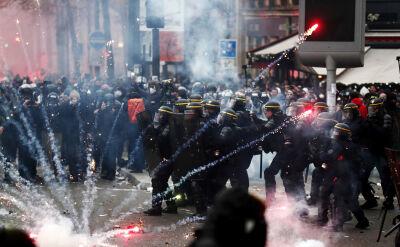Starcia z policją w Paryżu w trakcie demonstracji przeciw reformie emerytur