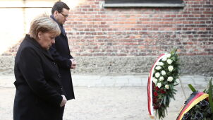 Angela Merkel and Mateusz Morawiecki laid wreaths at the Auschwitz Death Wall