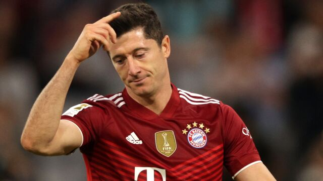 """""""Sfrustrowany"""" Lewandowski. Zarząd Bayernu dyskutował o jego przyszłości"""