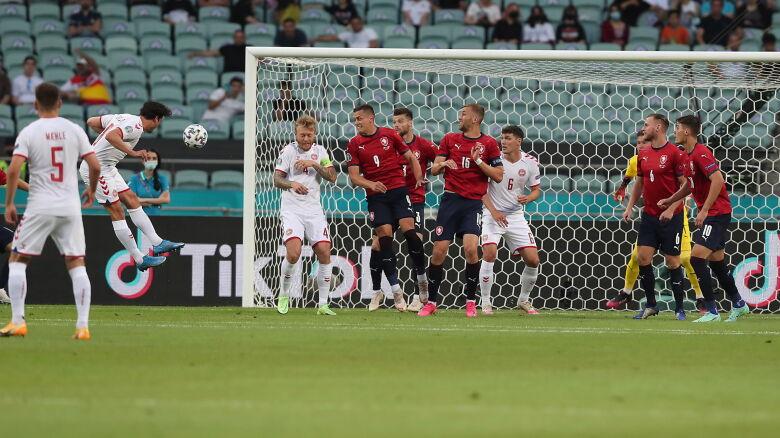Kontrowersyjny gol na Euro. Padł po rzucie rożnym, którego być nie powinno
