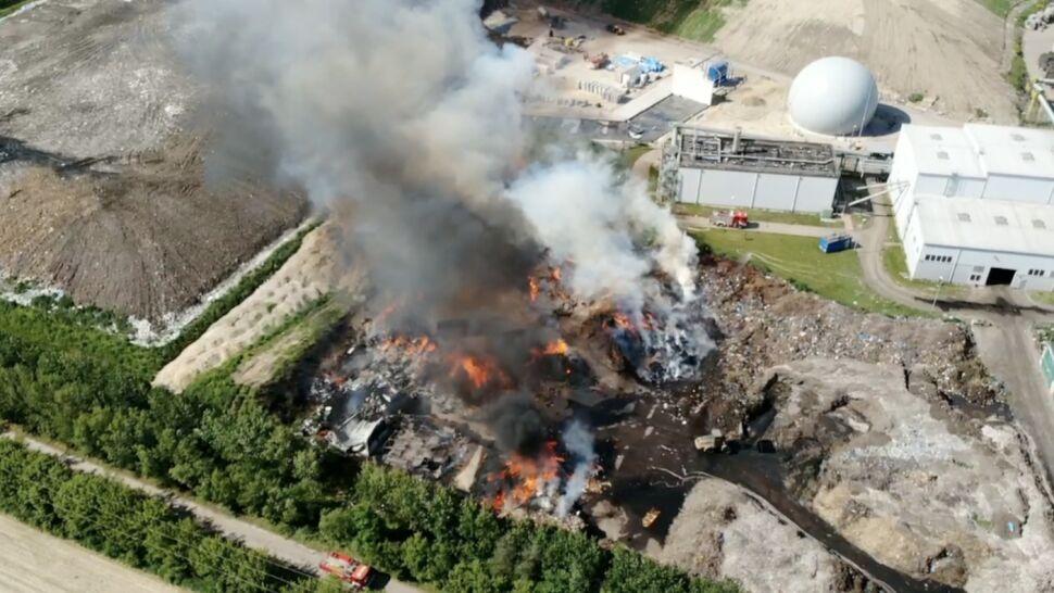 Płonęło składowisko odpadów, ponad 60 strażaków walczyło z ogniem