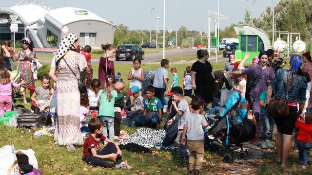 Czeczeni koczowali na granicy. Szef MSWiA: rząd PiS nie narazi Polski na zagrożenie terrorystyczne