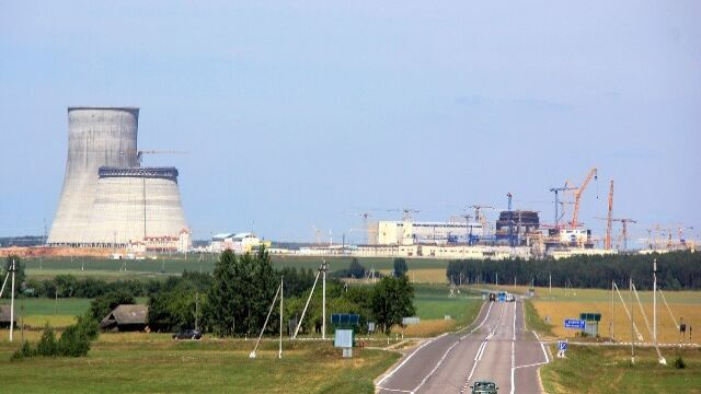 """""""Są doniesienia, że spadł z 10 metrów"""". Białorusini upuścili reaktor, alarm w Wilnie"""
