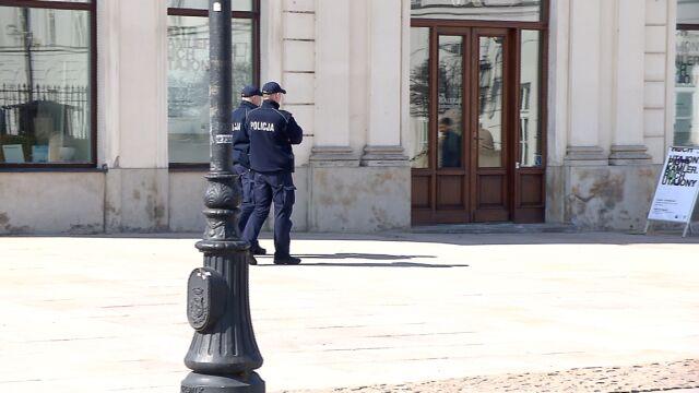 """""""2200 złotych nie jest w stanie utrzymać rodziny"""". Ubywa chętnych do pracy w policji"""