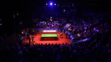 Finał snookerowych mistrzostw świata przy pełnych trybunach