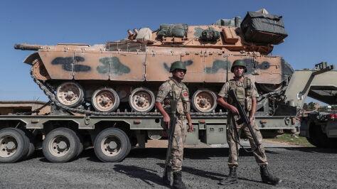 """Pence: USA nigdy nie dały """"zielonego światła"""" do ataku na Kurdów"""