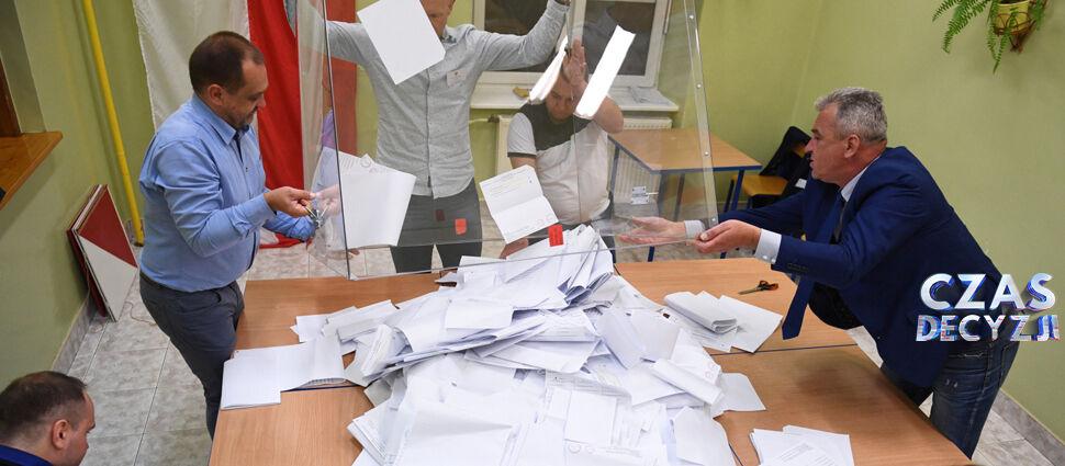Sejm dla PiS, Senat dla opozycji.  Oficjalne wyniki wyborów