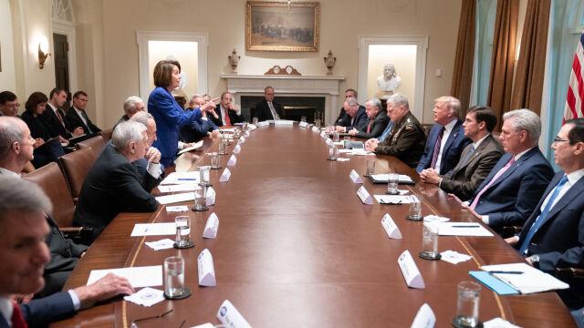"""Trump pokazał """"załamanie niezrównoważonej Nancy"""". Doczekał się szybkiej riposty"""
