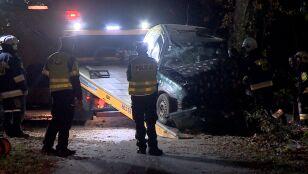 Uderzyli w drzewo.  15-letni kierowca i 17-letni pasażer nie żyją