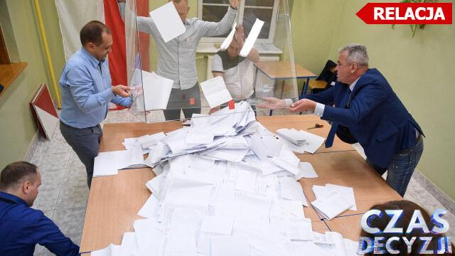 Do komisji wyborczej wpłynęły dwa protokoły  z zamkniętych okręgów, 120 z zagranicy