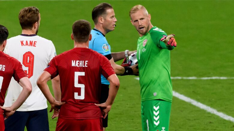 Schmeichel interweniował u arbitra w sprawie lasera.