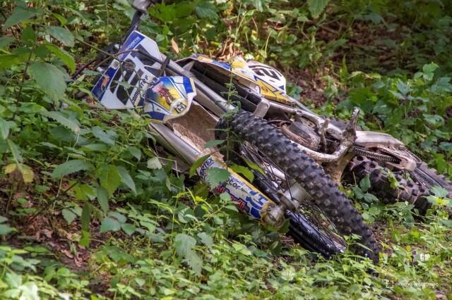 14-letni motocyklista uderzył w drzewo. Zginął na miejscu