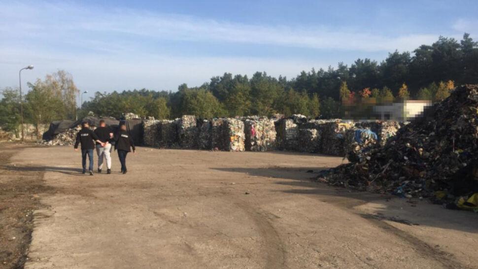 Śmieci z Niemiec trafiały na polskie składowiska. 39 zarzutów dla 20 osób