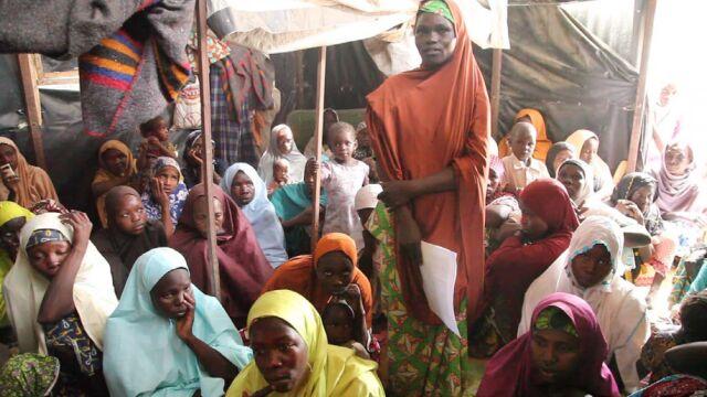 Mieli chronić kobiety, gwałcili je za jedzenie? Organizacja oskarża nigeryjską armię