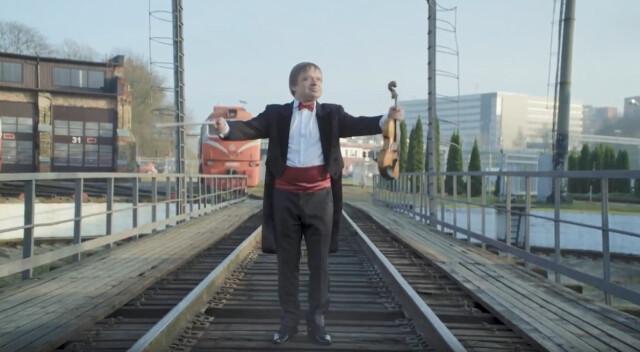 Hymn na siedem lokomotyw. Życzenia od Kolei Litewskich