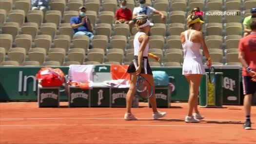 Linette i Pera przełamały rywalki w 3. gemie 2. seta półfinału French Open