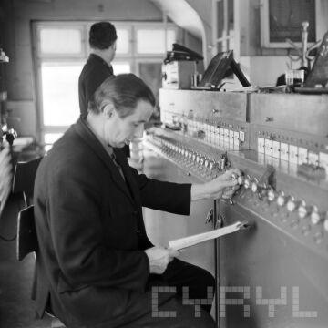 Pomieszczenie sterowania PKP  30.11.1973 r.