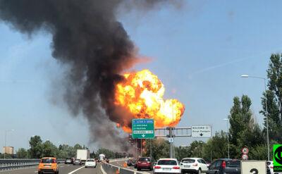 Ciężarówka stanęła w płomieniach, eksplodowało kilka samochodów