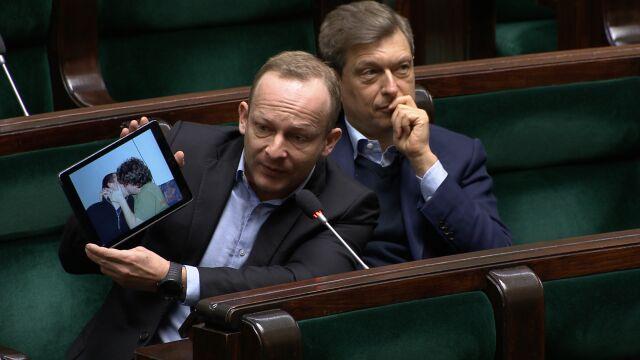 Olszewski pokazuje zdjęcie: może wywoływać podatność na szantaż