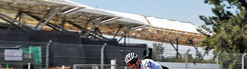Rywale testują, Kubica jeździ rowerem. Wielki bałagan w Williamsie