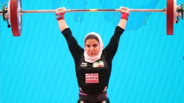 Irańska sztangistka wróciła do pracy w szpitalu.