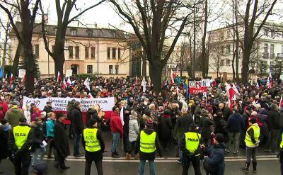 """W oczekiwaniu na marsz """"Obywatele dla Demokracji"""""""