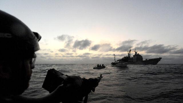 NATO będzie ścigać piratów co najmniej do 2014 r.