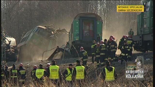 Na miejscu katastrofy od początku pracowały służby ratunkowe (TVN24)