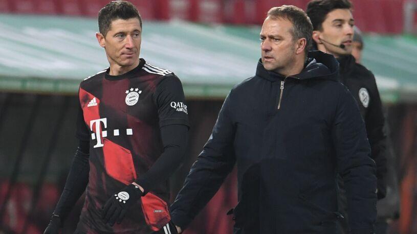 """Trener Bayernu podał powód szybkiej zmiany """"Lewego"""""""