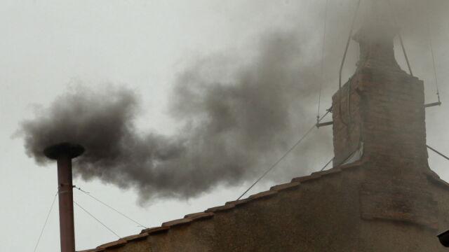 Dym pojawił się dwa razy, był czarny