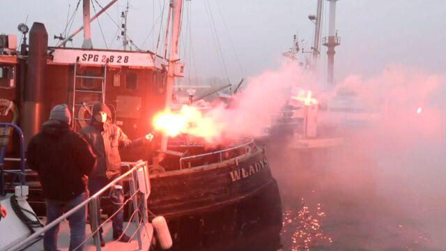 Właściciele kutrów wędkarskich blokowali porty. Chodzi o zakaz łowienia dorszy