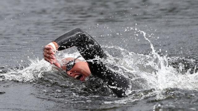 Mistrzyni olimpijska trenuje w nadmuchiwanym basenie. Polski medalista wybrał staw