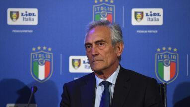 Szef włoskiej piłki gotowy zakończyć sezon w sierpniu.